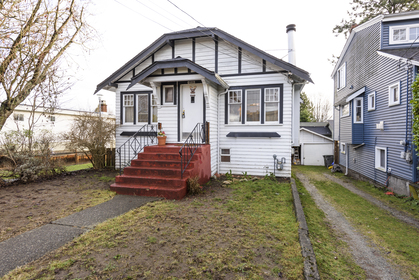 at 4338 James Street, Main, Vancouver East