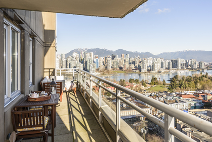 at 902 - 2483 Spruce Street, Fairview VW, Vancouver West