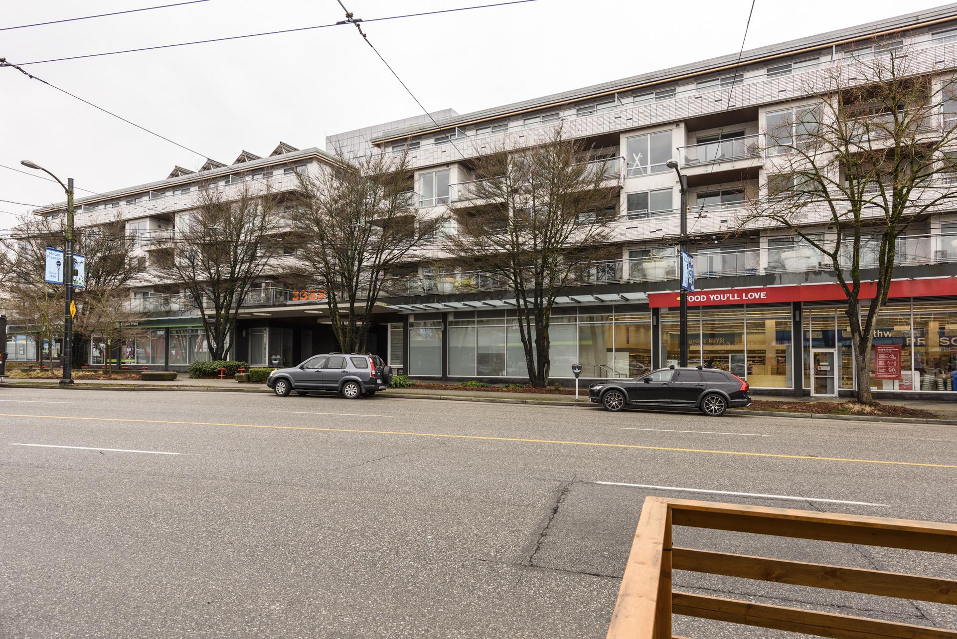 at 411 - 3333 Main Street, Main, Vancouver East