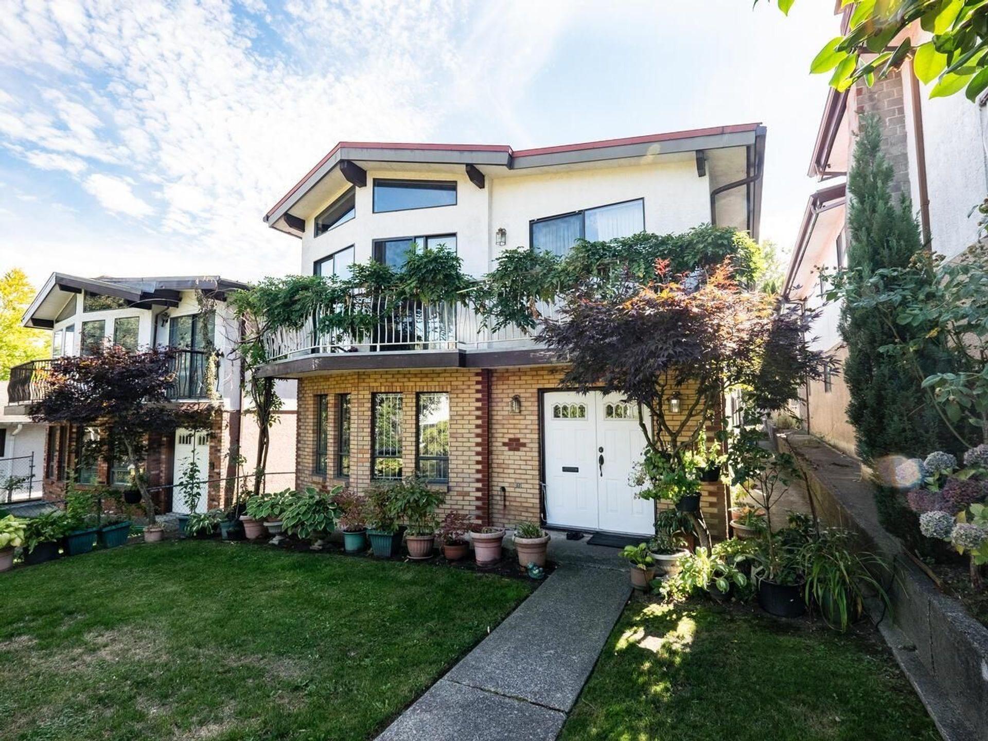 418 E 21st Avenue, Fraser VE, Vancouver East photo number 1
