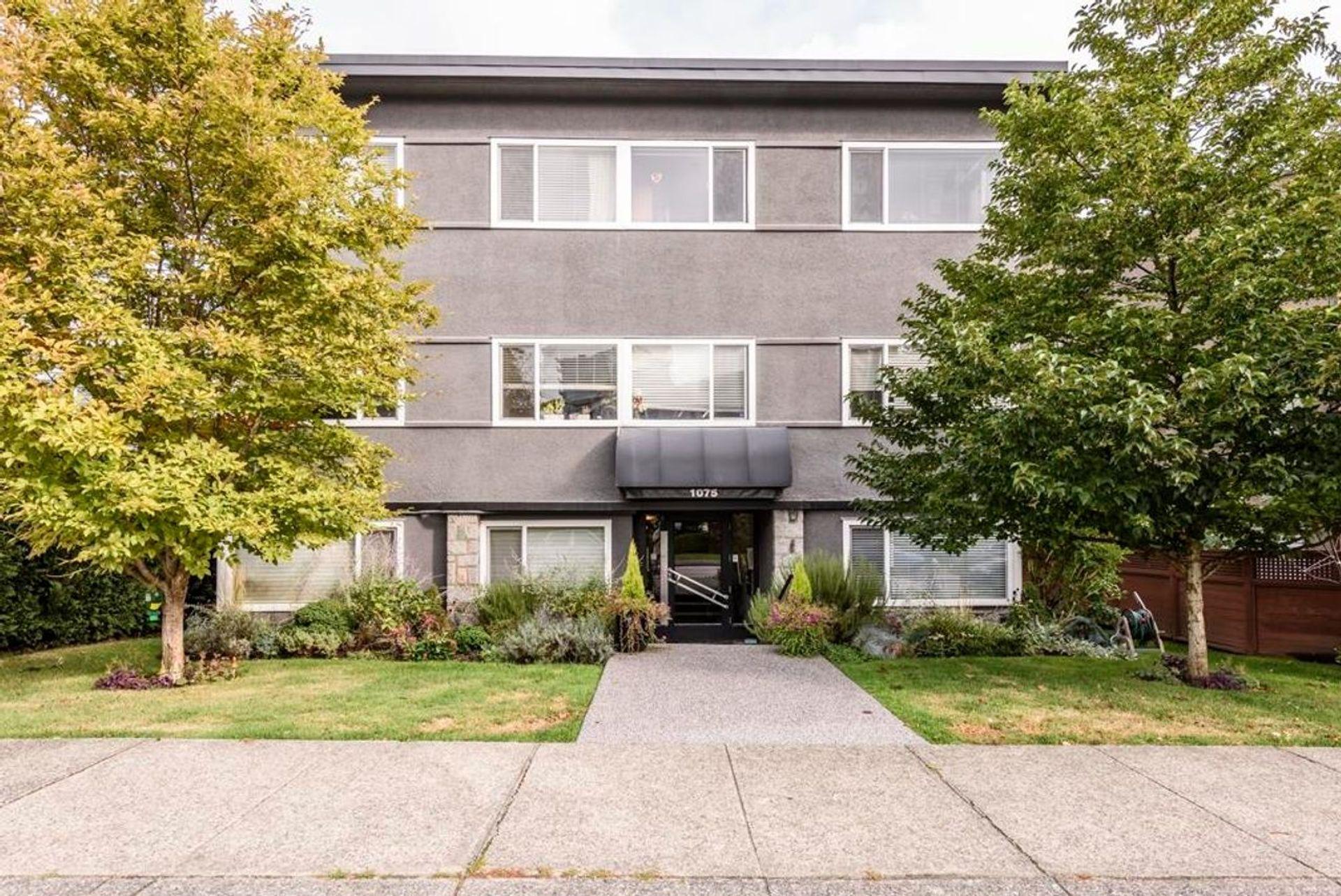 2 - 1075 West 13th Avenue, Fairview VW, Vancouver West photo number 1