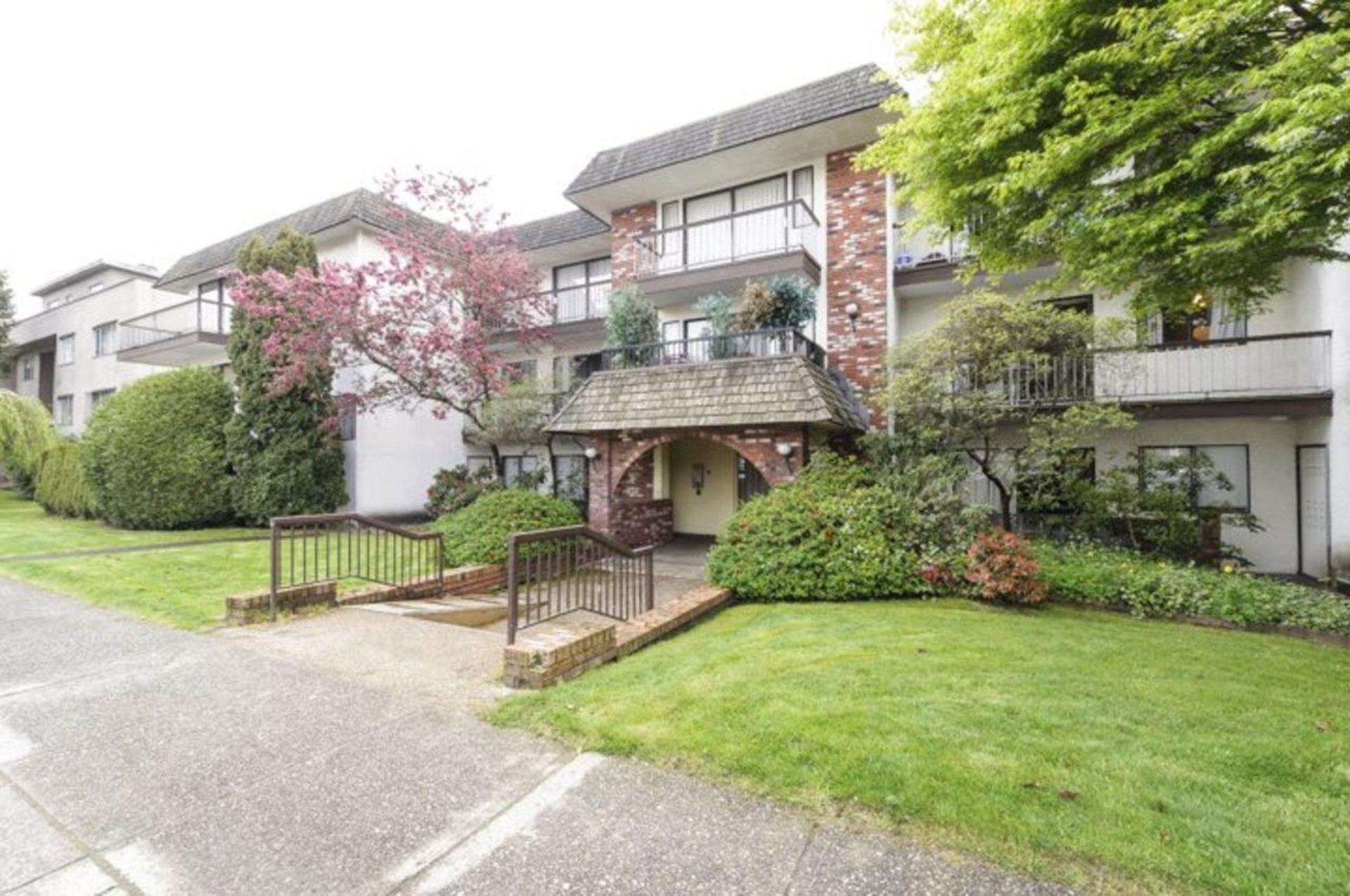 at 307 - 2040 Cornwall Avenue, Kitsilano, Vancouver West