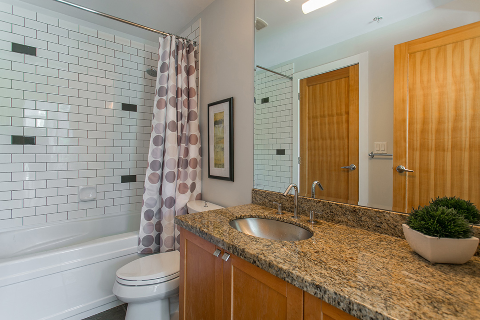1j6a3499 at 207 - 2515 Ontario Street, Mount Pleasant VW, Vancouver West