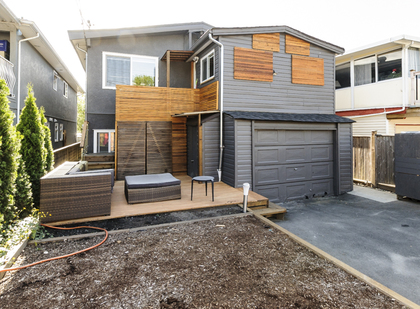 Single car garage and driveway for extra parking at 4786 Windsor Street, Fraser VE, Vancouver East