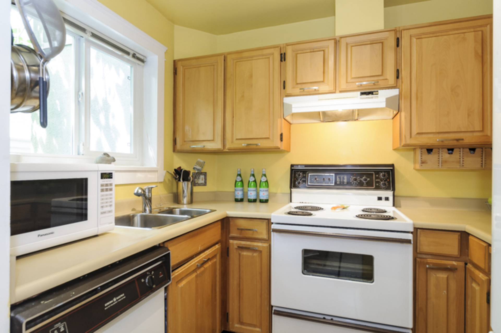 Cozy kitchen awaits your ideas! at 102 - 1206 W 14th Avenue, Fairview VW, Vancouver West