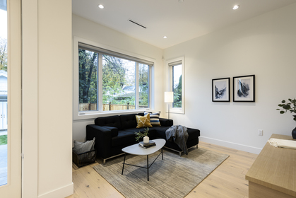 at 68 East 39th Avenue, Main, Vancouver East