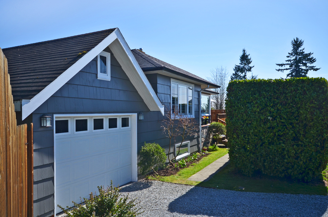 1712 Moody Ave, Boulevard, North Vancouver 2