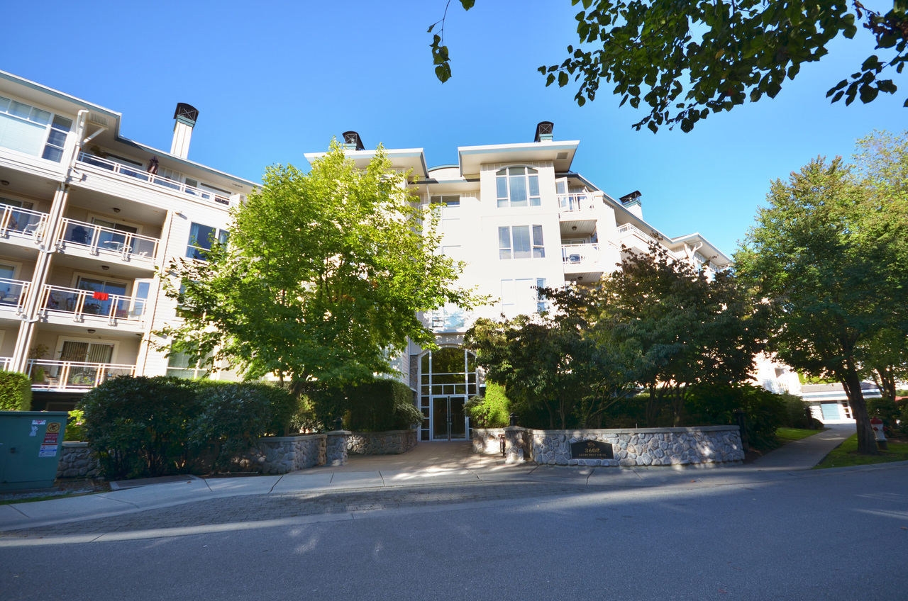 01 at 404 - 3608 Deercrest, Roche Point, North Vancouver