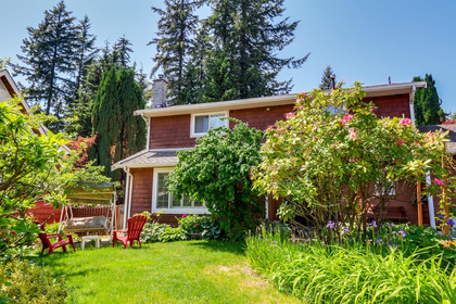 mini2 at 1127 Carnaby Place, Blueridge NV, North Vancouver