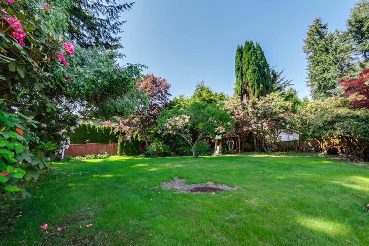 mini16 at 1127 Carnaby Place, Blueridge NV, North Vancouver
