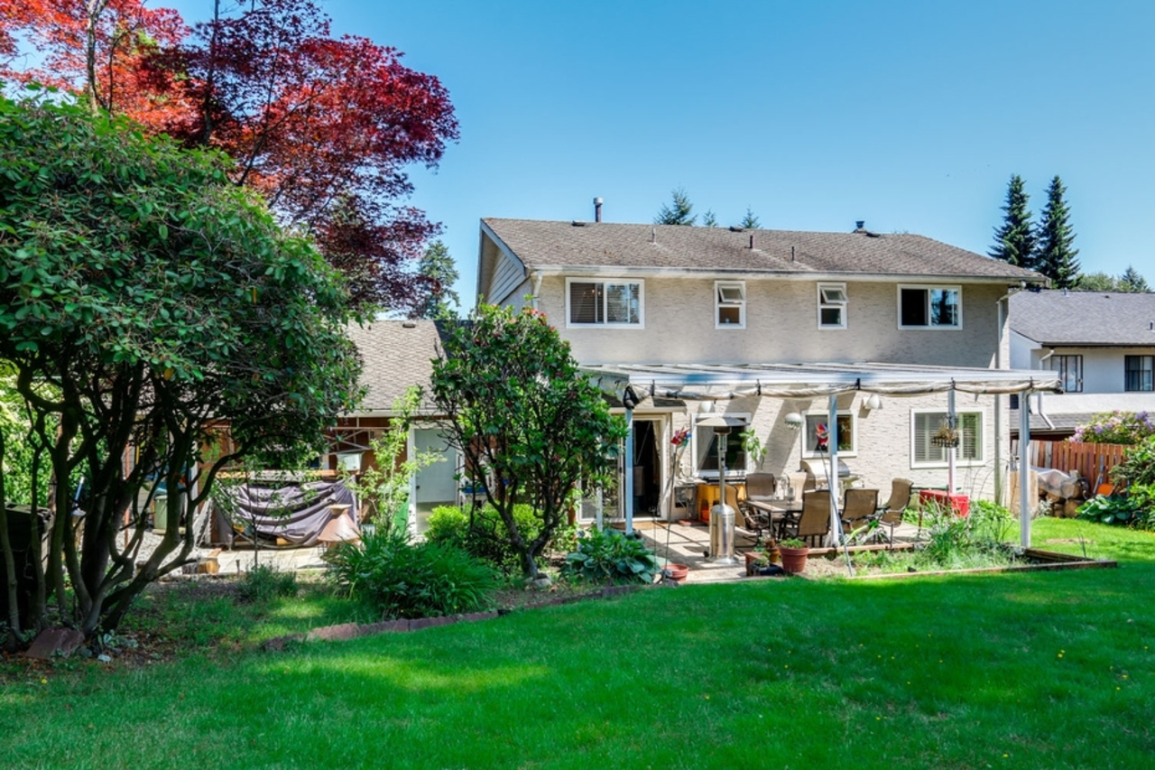 mini18 at 1127 Carnaby Place, Blueridge NV, North Vancouver