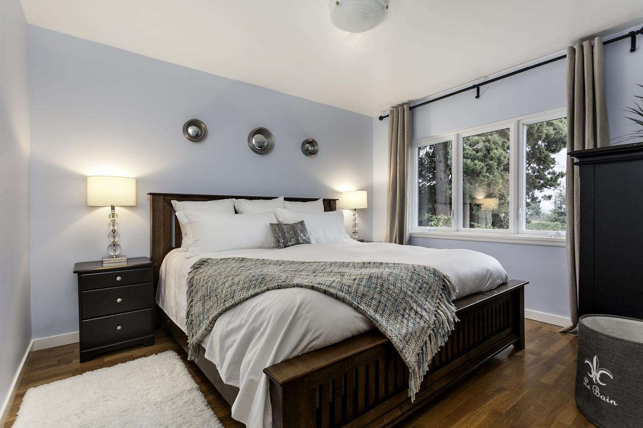 Bed Master Main - 19 at 438 E 17th Street, Central Lonsdale, North Vancouver