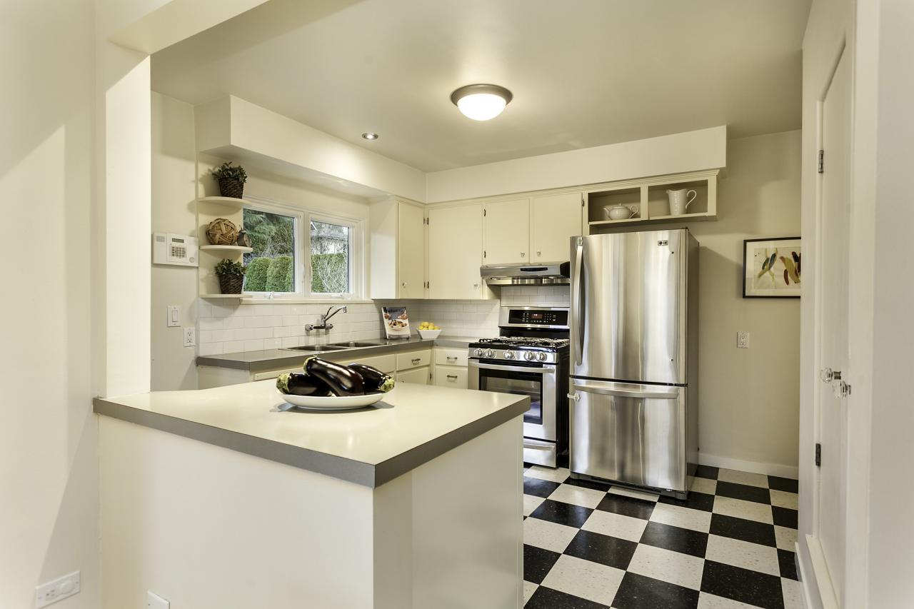 Kitchen 14 at 438 E 17th Street, Central Lonsdale, North Vancouver