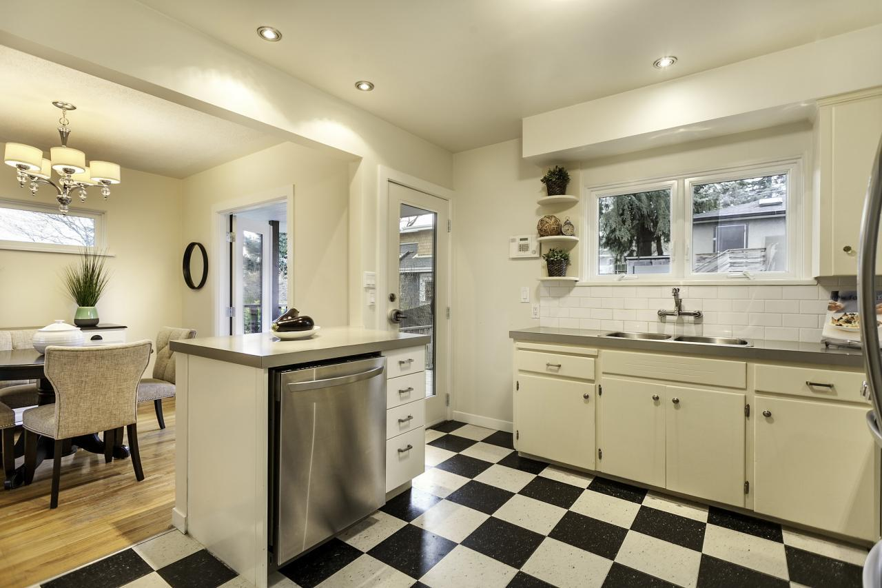 Kitchen 15 at 438 E 17th Street, Central Lonsdale, North Vancouver