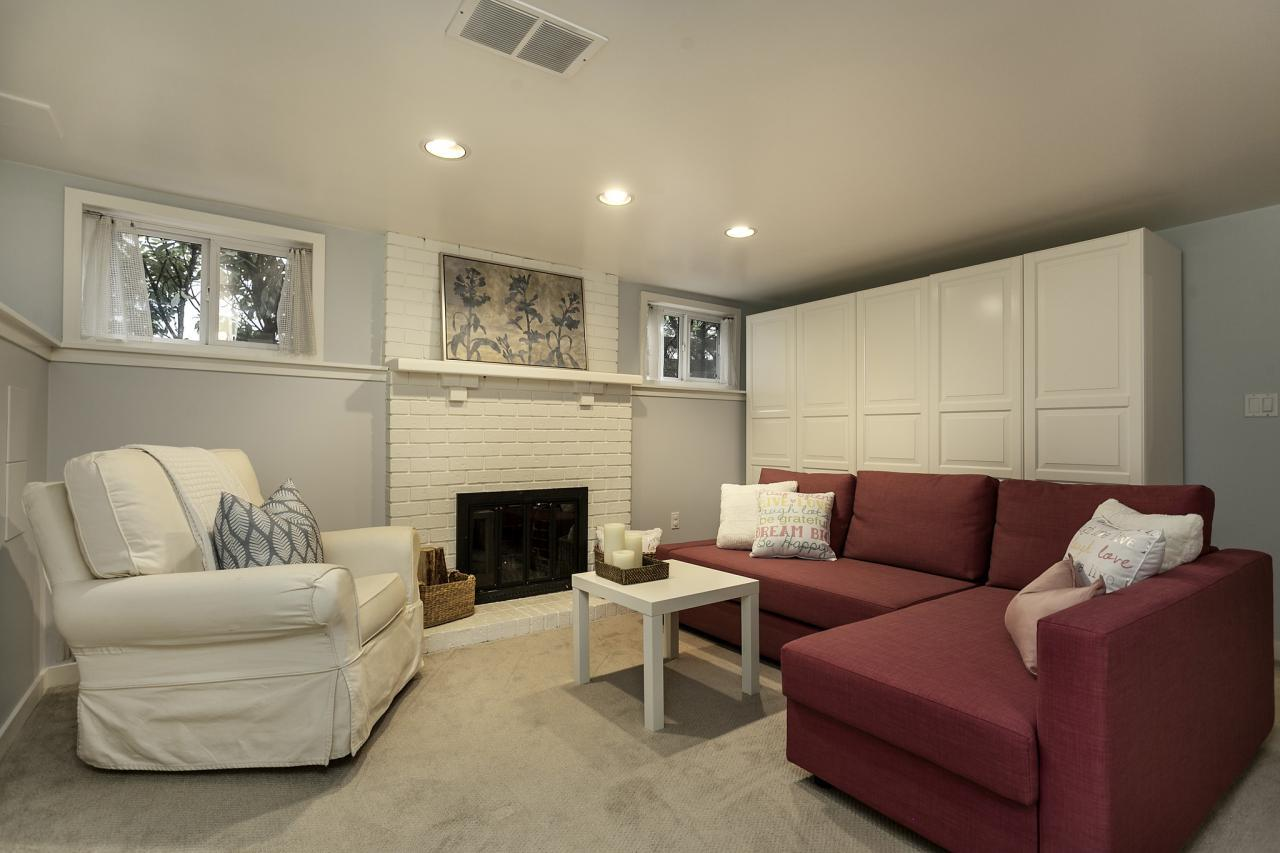 Recreation Room 20 at 438 E 17th Street, Central Lonsdale, North Vancouver