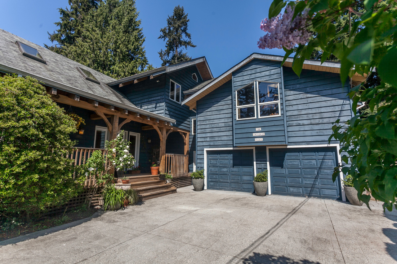 10 at 790 Grantham Place, Seymour, North Vancouver
