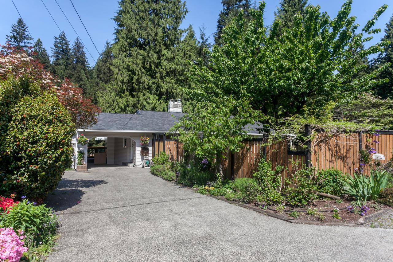 01 at 2185 Riverside Drive, Seymour NV, North Vancouver