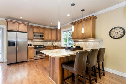 08 at 715 Crystal Court, Canyon Heights NV, North Vancouver