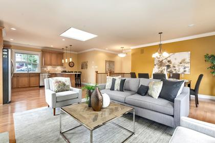 09 at 715 Crystal Court, Canyon Heights NV, North Vancouver