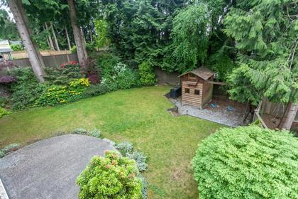 16 at 715 Crystal Court, Canyon Heights NV, North Vancouver
