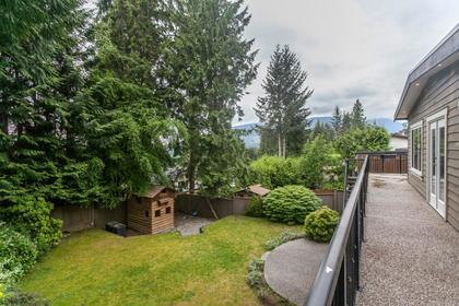 17 at 715 Crystal Court, Canyon Heights NV, North Vancouver
