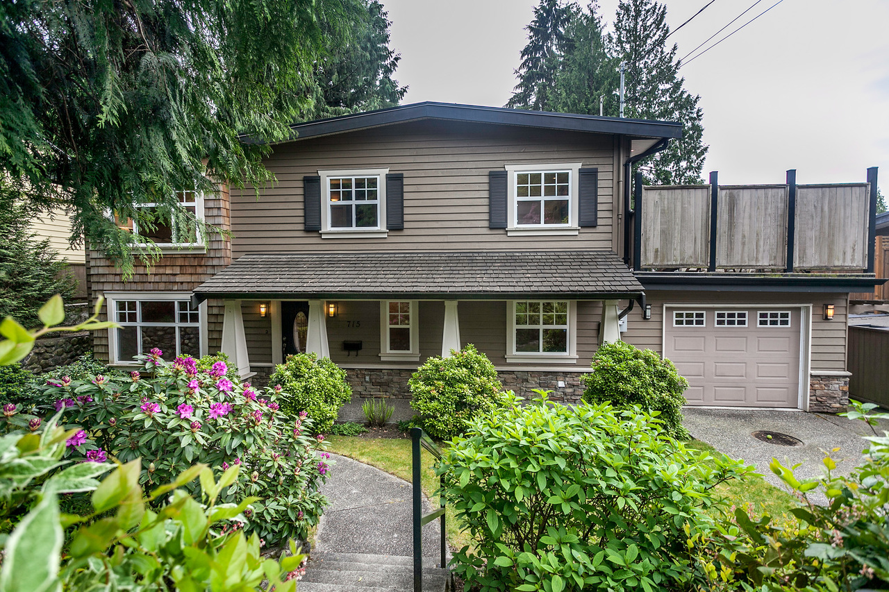 03 at 715 Crystal Court, Canyon Heights NV, North Vancouver