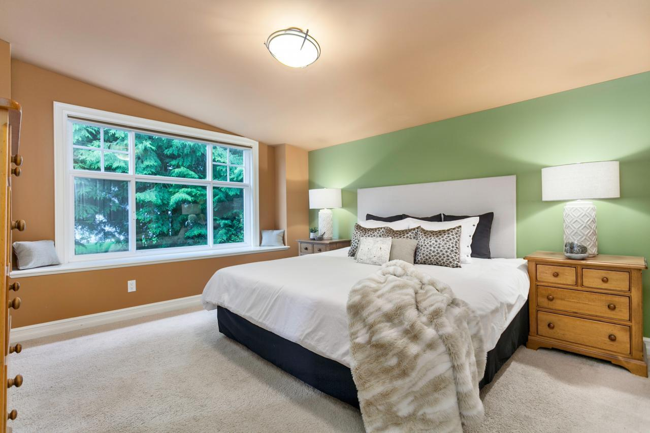 10 at 715 Crystal Court, Canyon Heights NV, North Vancouver