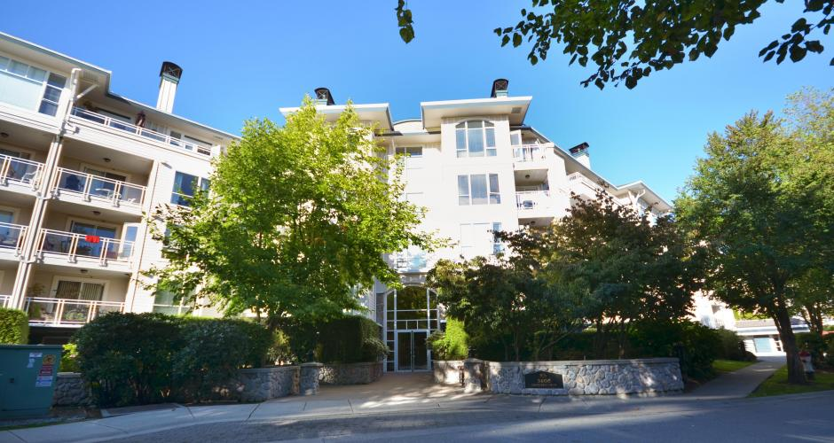 404 - 3608 Deercrest Drive, Roche Point, North Vancouver