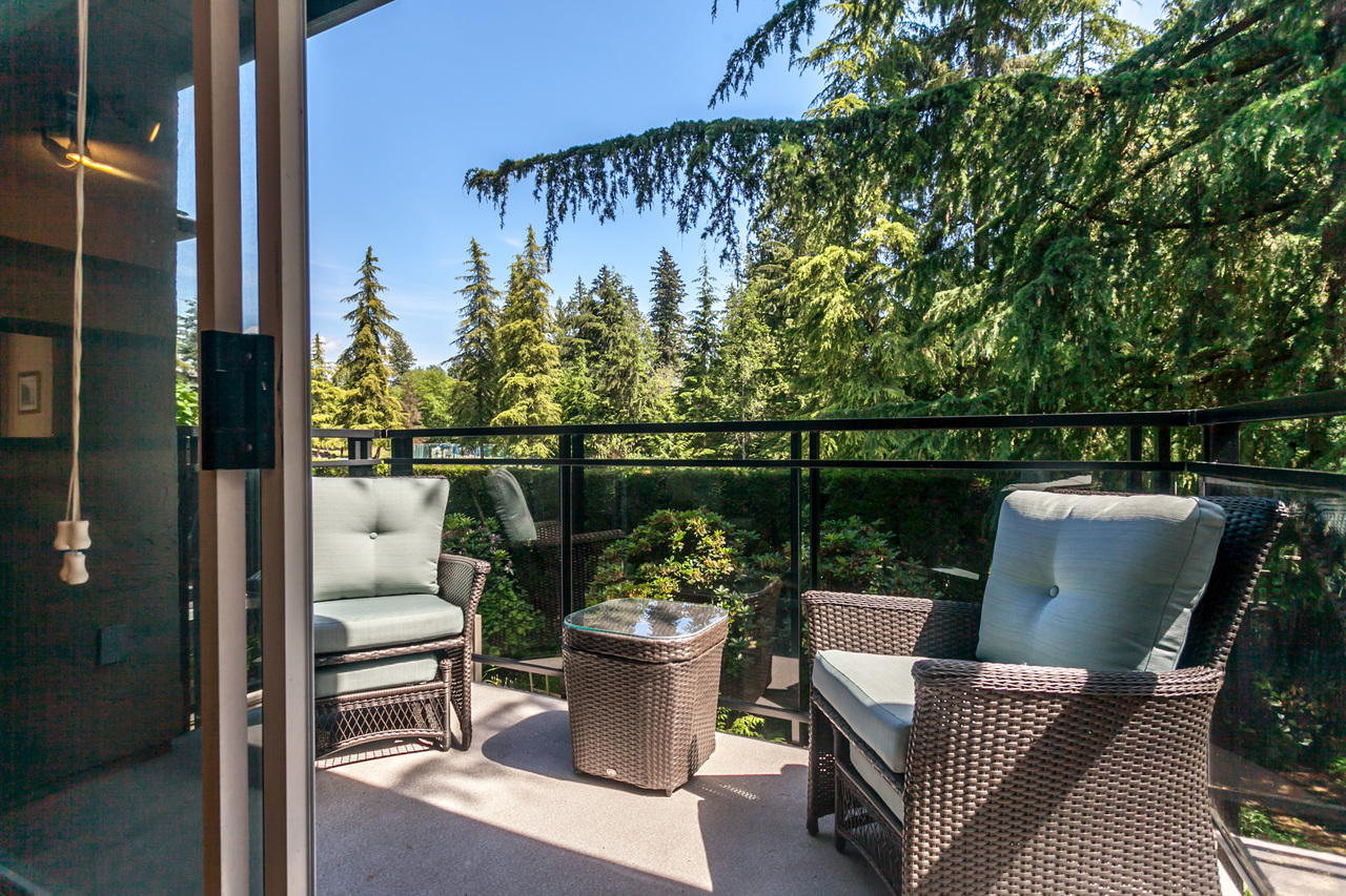 3932 Indian River Drive, Indian River, North Vancouver 2