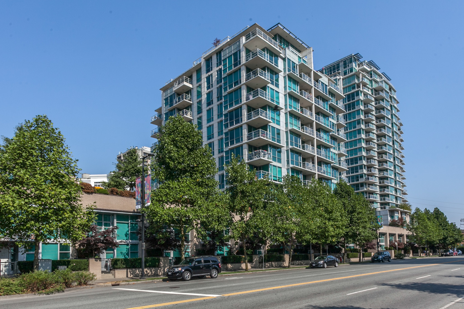 colin-19 at 708 - 168 E Esplanade, Lower Lonsdale, North Vancouver