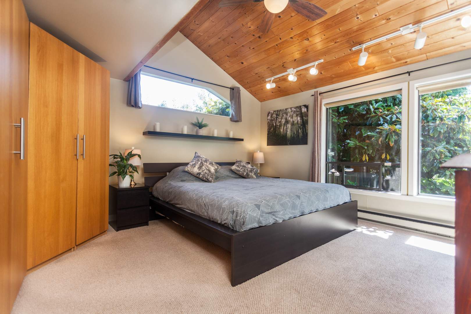 539-5th-18 at 539 E 5 Street, Lower Lonsdale, North Vancouver