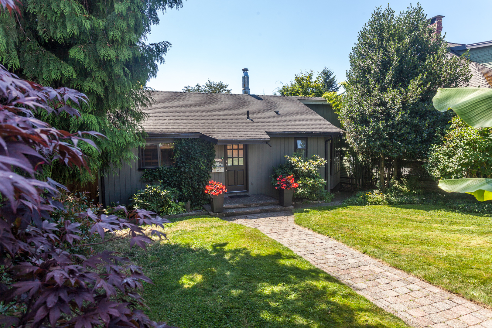 539-5th-3 at 539 E 5 Street, Lower Lonsdale, North Vancouver