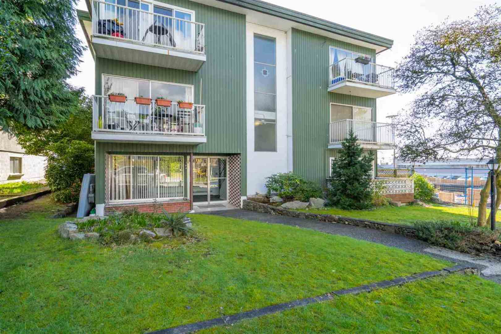135-e-20th-street-central-lonsdale-north-vancouver-06 at 101 - 135 E 20th Street, Central Lonsdale, North Vancouver