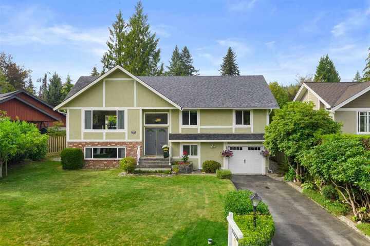 2808-trillium-place-blueridge-nv-north-vancouver-02 at 2808 Trillium Place, Blueridge NV, North Vancouver