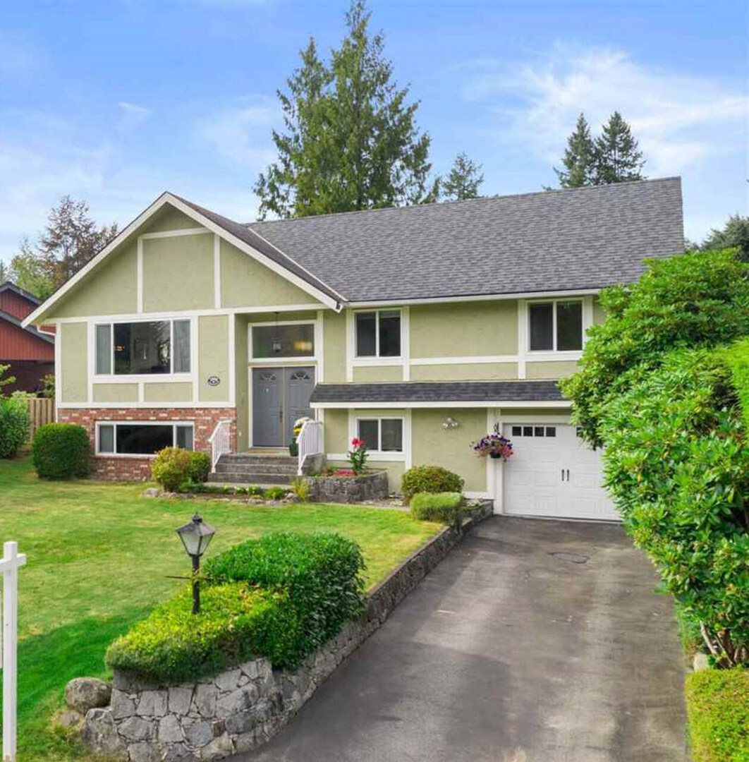 2808-trillium-place-blueridge-nv-north-vancouver-01 at 2808 Trillium Place, Blueridge NV, North Vancouver