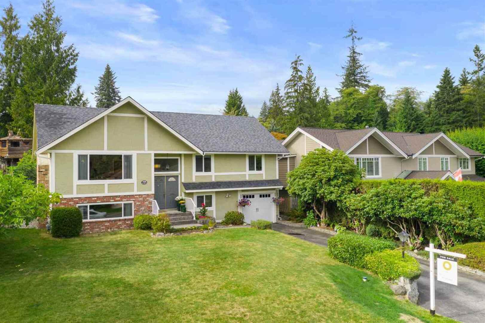 2808-trillium-place-blueridge-nv-north-vancouver-03 at 2808 Trillium Place, Blueridge NV, North Vancouver