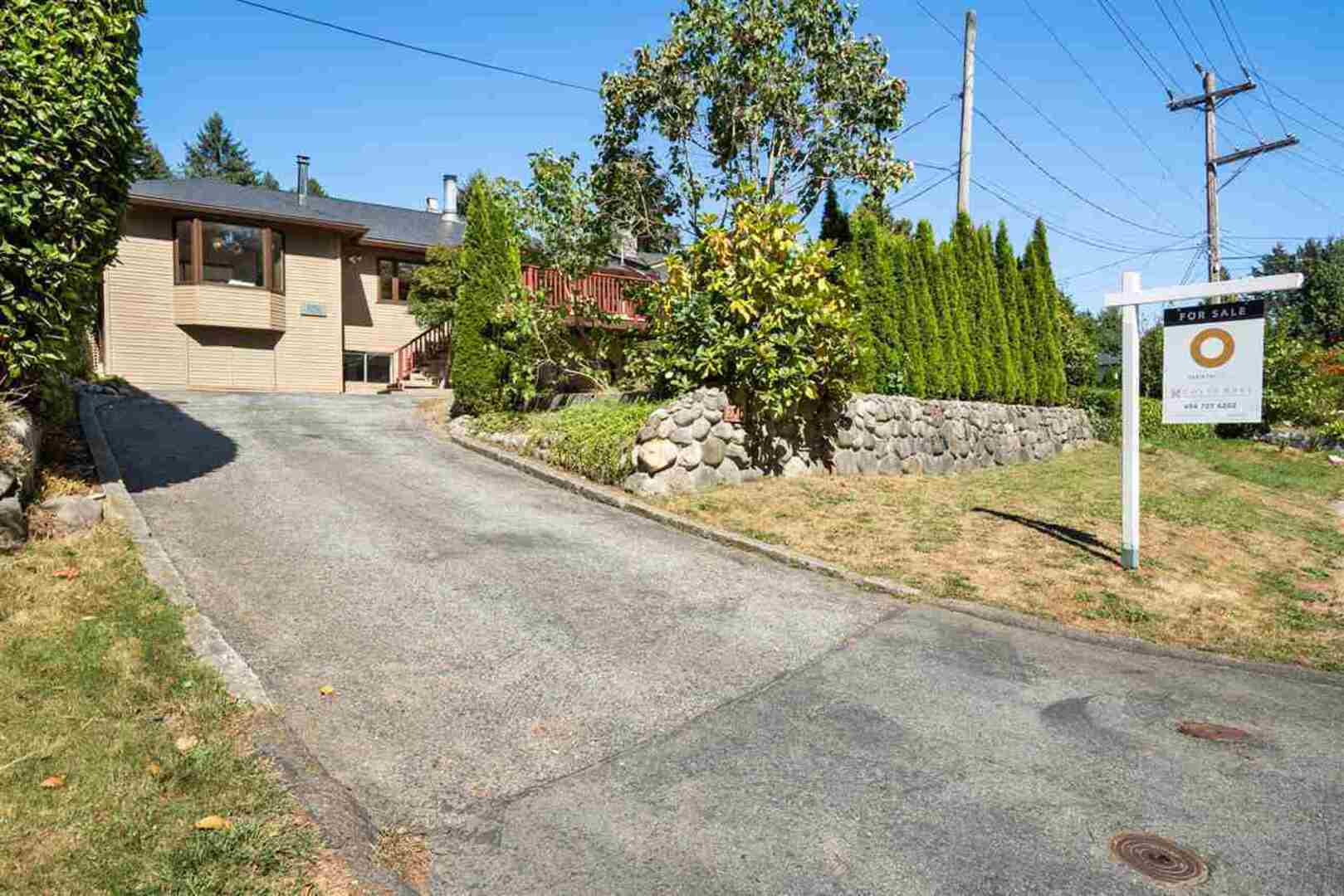 2792 Dollarton Highway, Windsor Park NV, North Vancouver 2