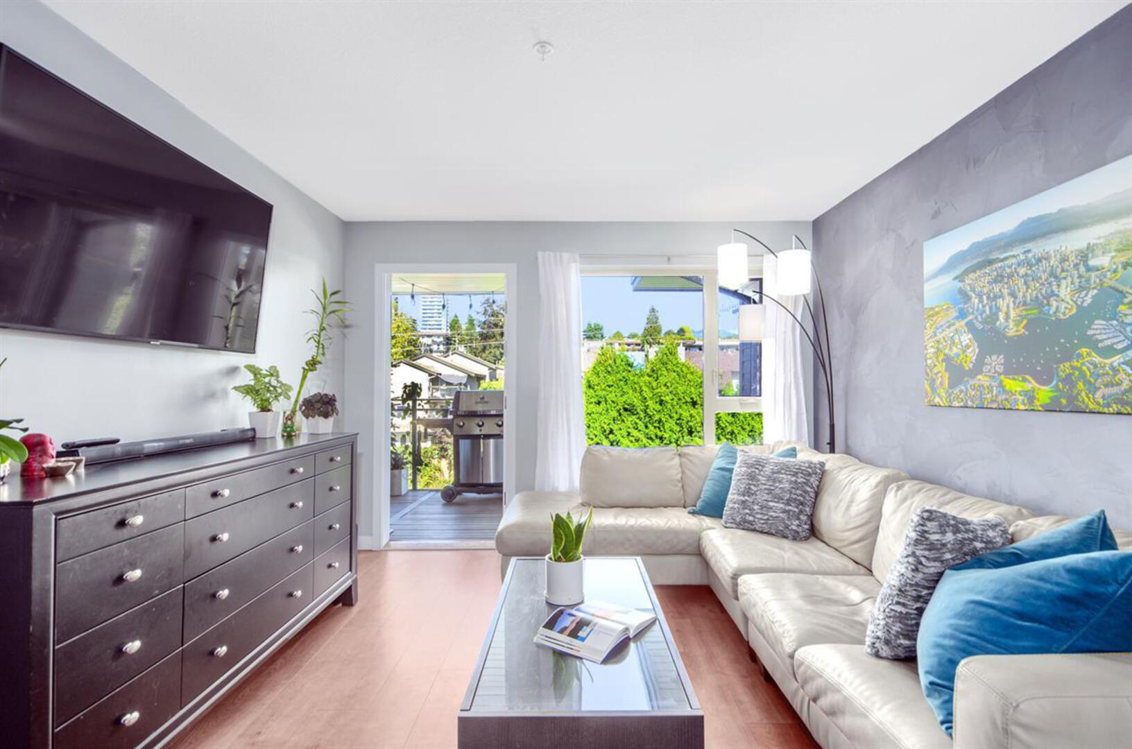 407 - 221 E 3rd Street, Lower Lonsdale, North Vancouver 2