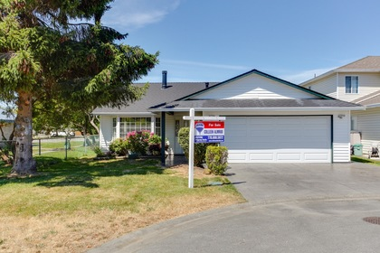 101 at 5915 49 Avenue, Hawthorne, Ladner
