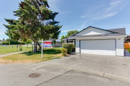 102 at 5915 49 Avenue, Hawthorne, Ladner