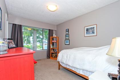 5168-2-avenue-pebble-hill-tsawwassen-15 at 5168 2 Avenue, Pebble Hill, Tsawwassen