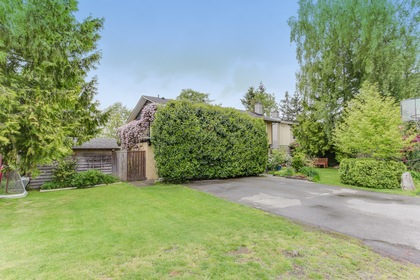 102 at 5505 18 Avenue, Cliff Drive, Tsawwassen