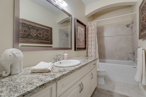 15-upper-full-bathroom at 2550 163a Street, Grandview Surrey, South Surrey White Rock