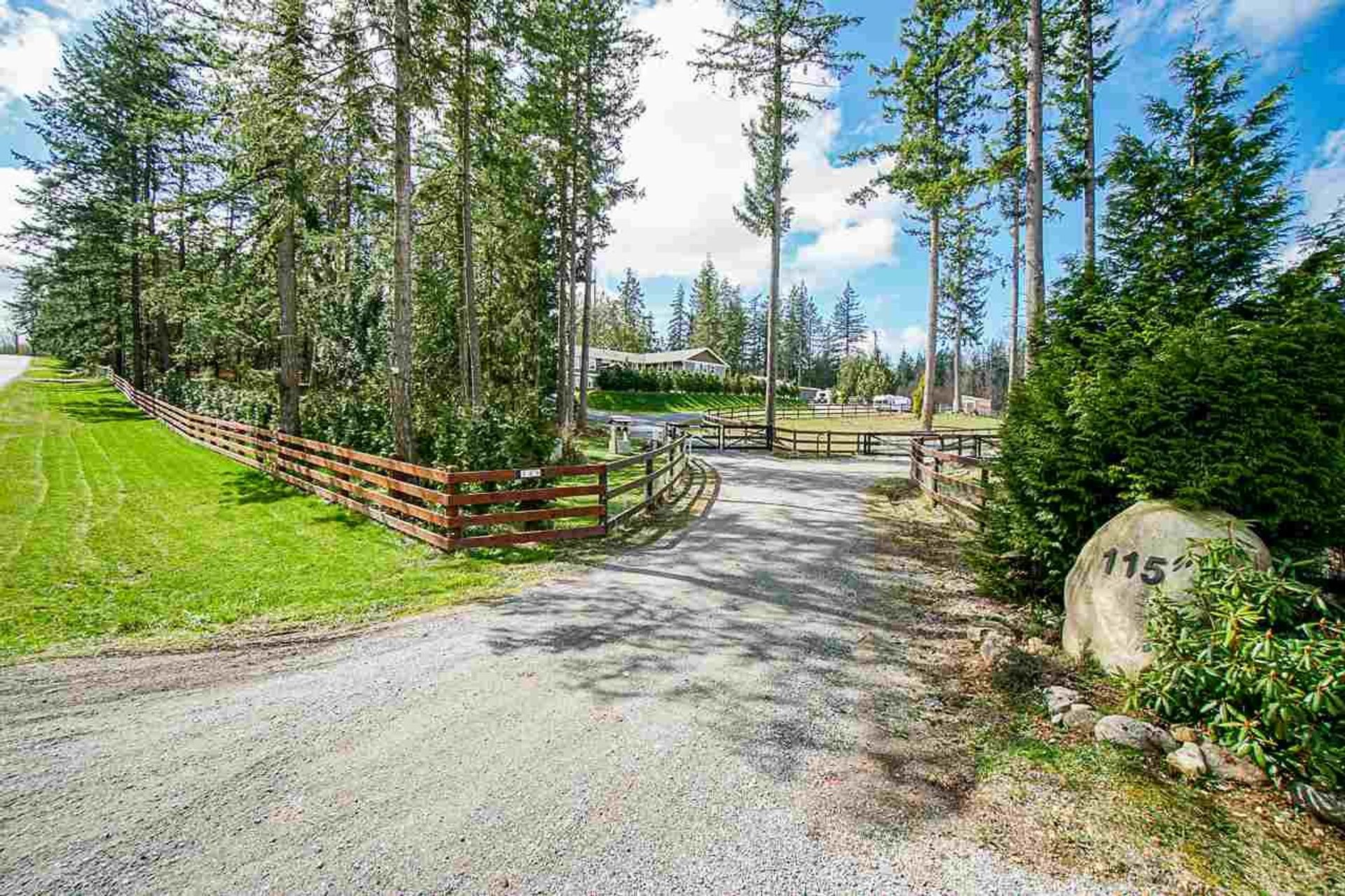 115 208 Street, South Langley (Campbell Valley), Langley