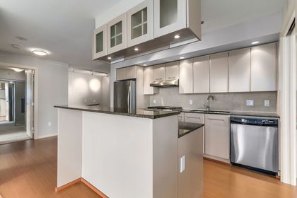 6 at 308 - 683 W Vicortia Park, Lower Lonsdale, North Vancouver