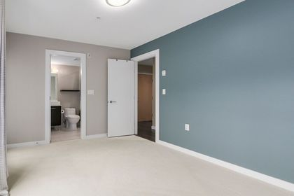 11 at 203 - 935 W 16th Street, Hamilton, North Vancouver