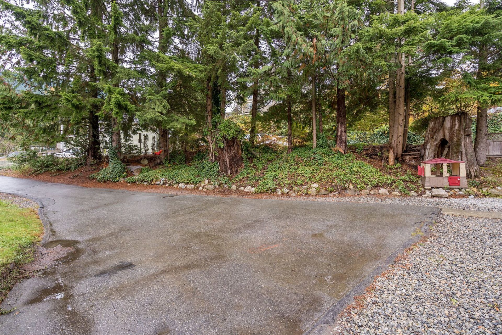 2ykja6zs at 61 - 3295 Sunnyside Road, Anmore, Port Moody