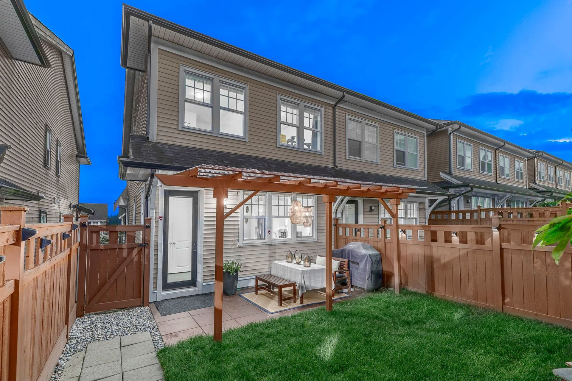 zb3ryro4 at 4 - 3443 Roxton Avenue, Burke Mountain, Coquitlam