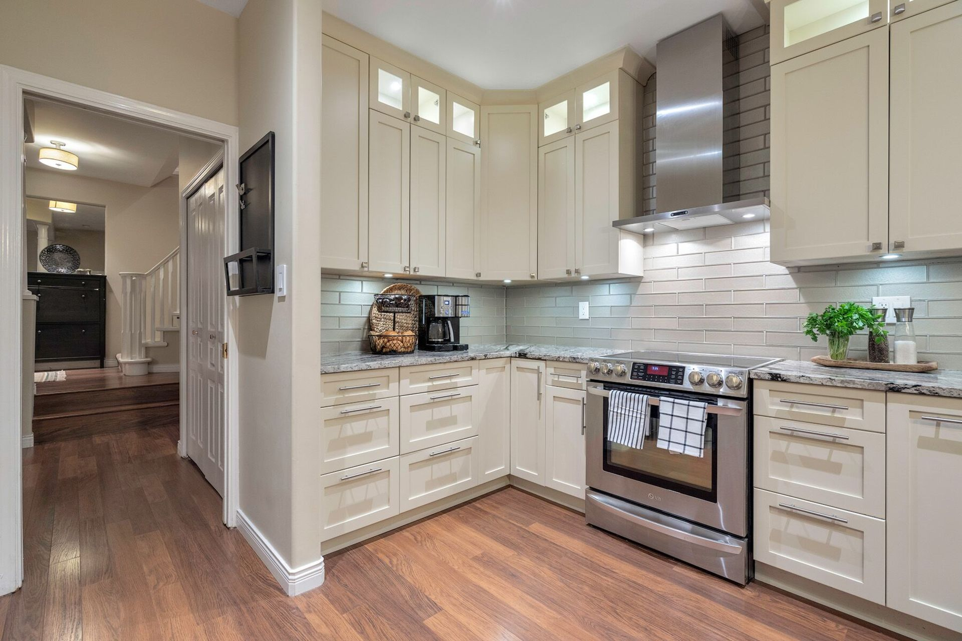 o9zp3y9w at 1 - 1 Aspenwood Drive, Heritage Woods PM, Port Moody