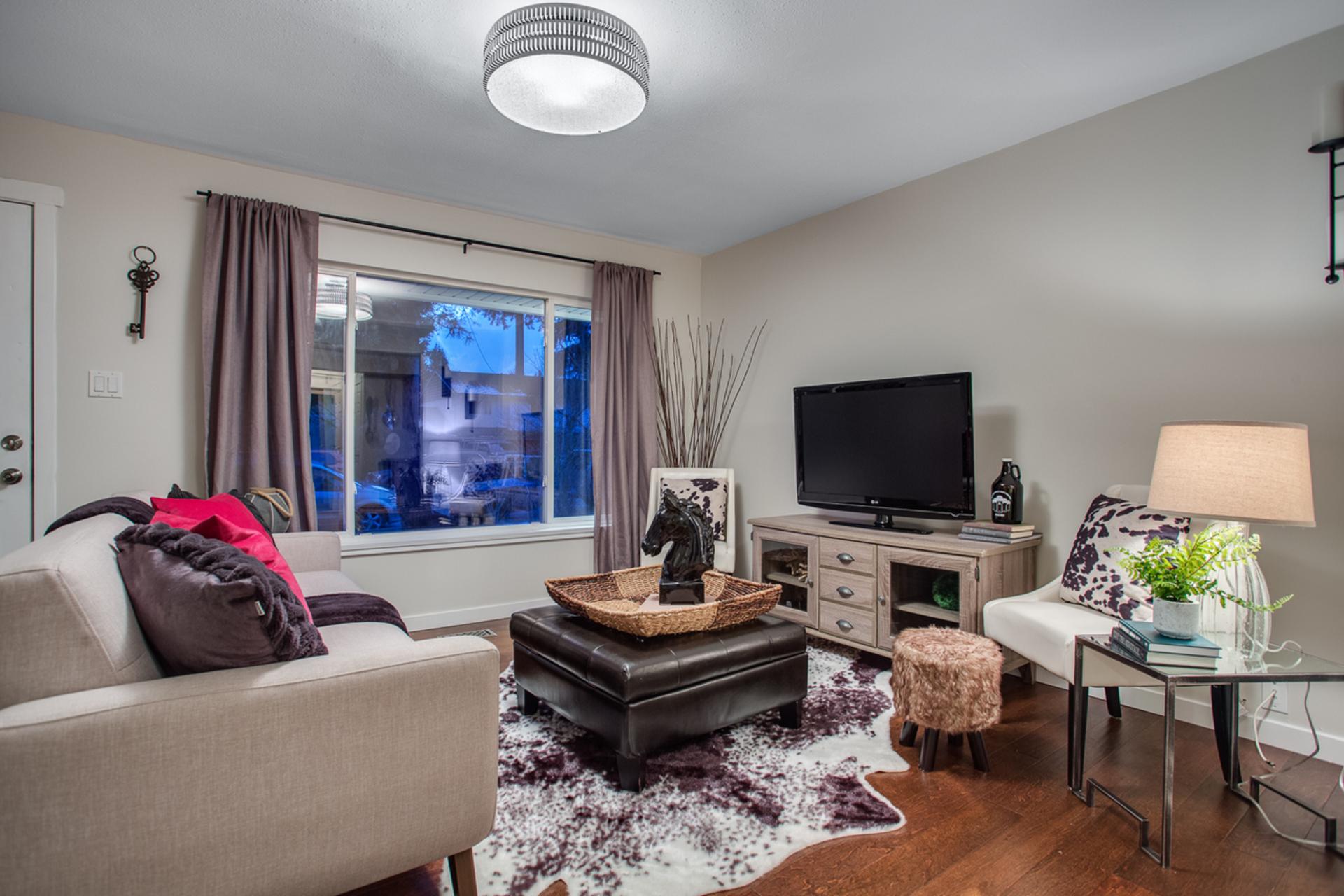 3274-wellingtion-street-port-coquitlam-360hometours-03s at 3274 Wellington Street, Glenwood PQ, Port Coquitlam